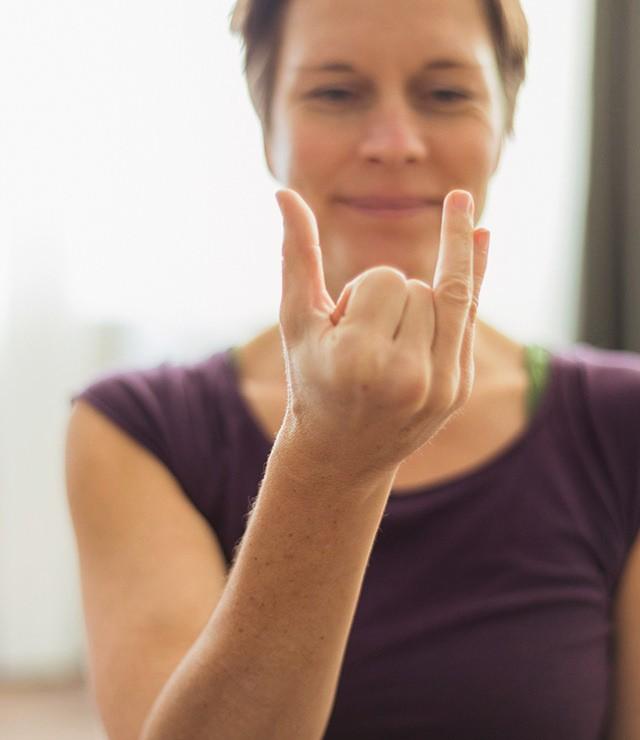 Pranayama Hand Position zeigen